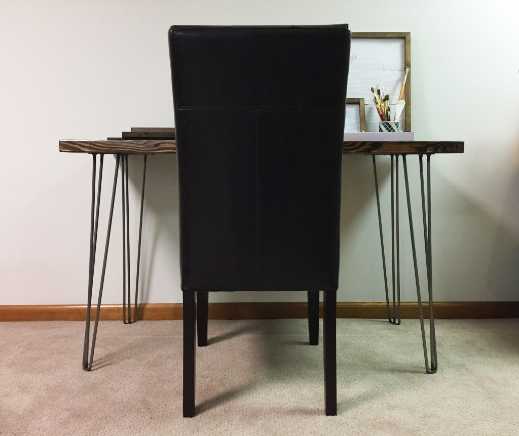 hairpin leg desk - straight on image