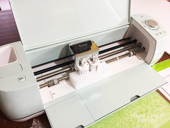 cricut intro - front of machine