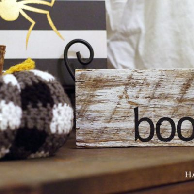"Mini DIY ""Boo"" Halloween Sign"
