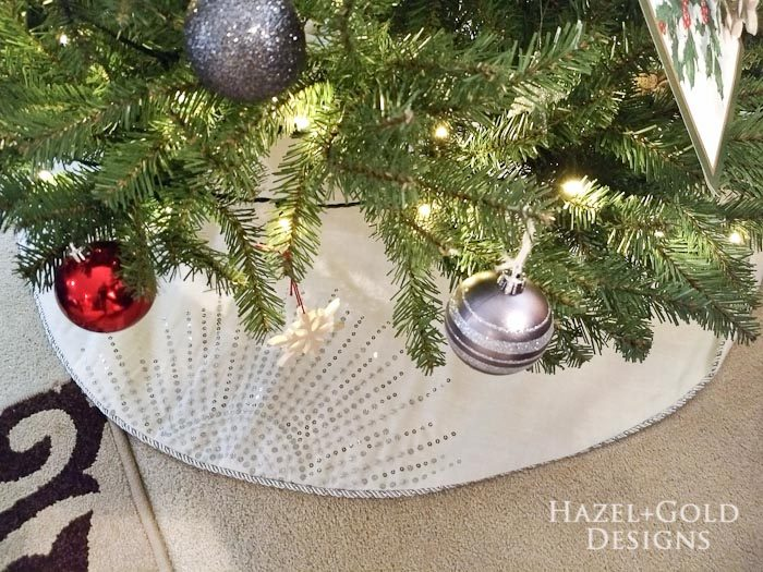 Mozaico Allium Flower Mosaic and holiday home decor- christmas trees skirt