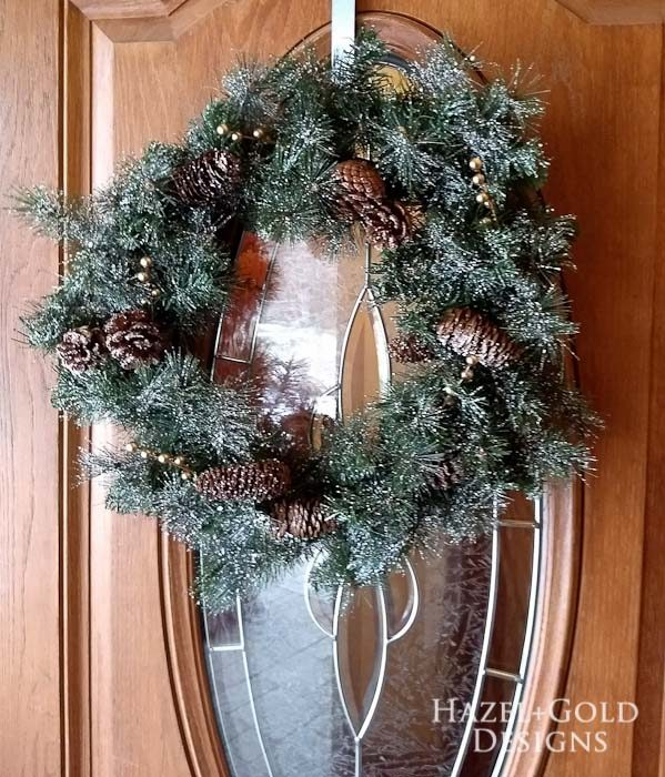 Mozaico Allium Flower Mosaic and holiday home decor- simple christmas wreath
