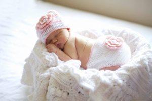 Hazel + Gold Designs - beautiful crochet ruffled baby blanket