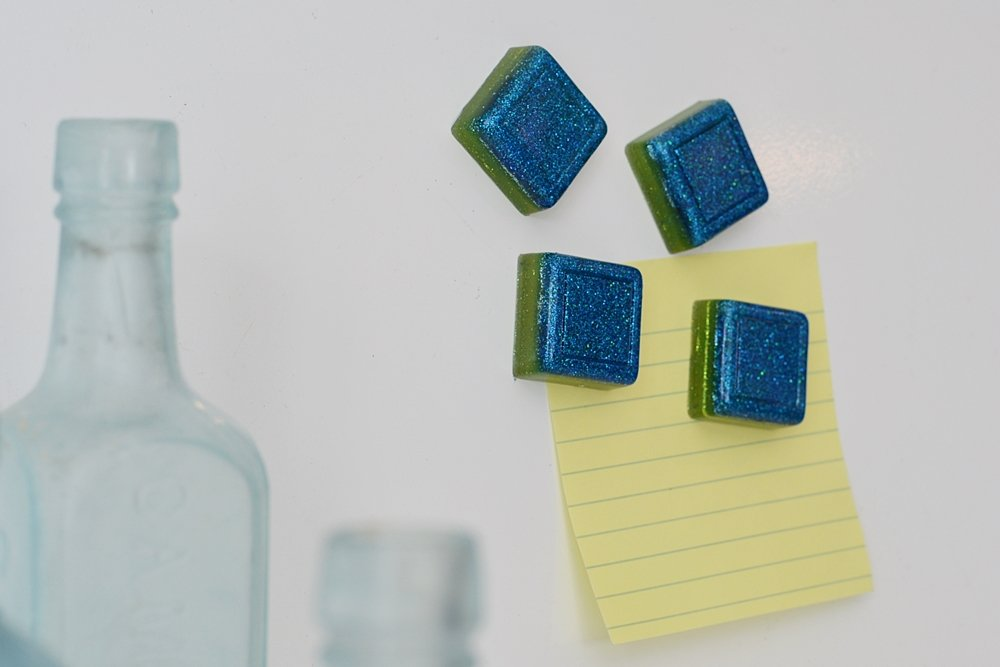 DIY glitter resin ombre fridge magnets