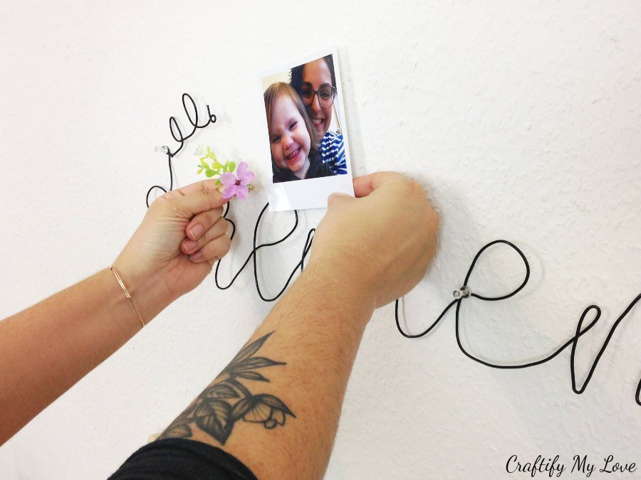 start adding photos, notes, motivational quotes or to do lists to your memo board