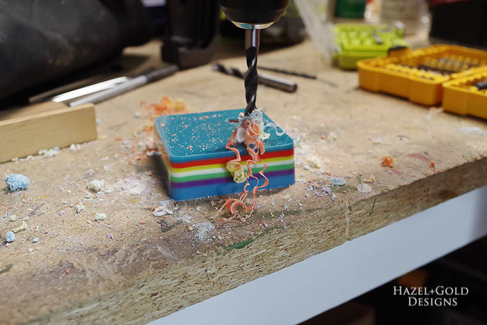 DIY-Colorful-Resin-Pencil-Holder-drill holes