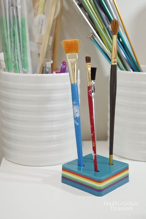 DIY-Colorful-Resin-Pencil-Holder-add-paintbrushes