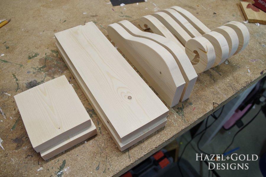 DIY Beautiful Wooden Bookends