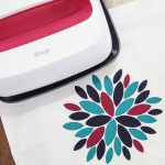 Modern Flower Pillow Cover using Cricut EasyPress 2 - beautiful ironed on decal