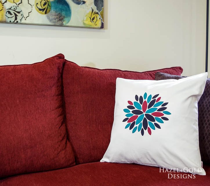 Modern Flower Pillow Cover using Cricut EasyPress 2 - beautiful finished iron on modern flower pillow cover