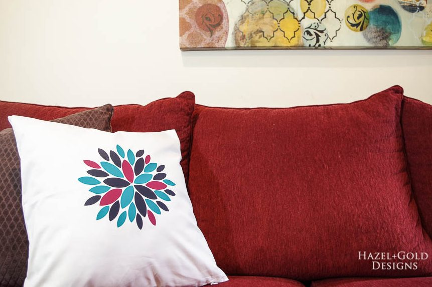 Modern Flower Pillow Cover using Cricut EasyPress 2 - beautiful finished iron on modern flower pillow cover - horizontal