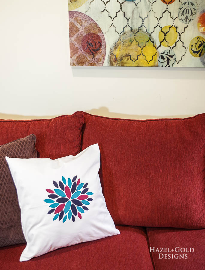 Modern Flower Pillow Cover using Cricut EasyPress 2 - beautiful finished iron on modern flower pillow cover - vertical
