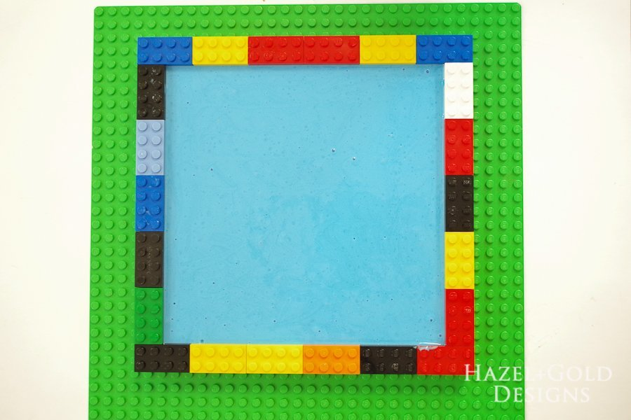 DIY Lego Mold- let cure