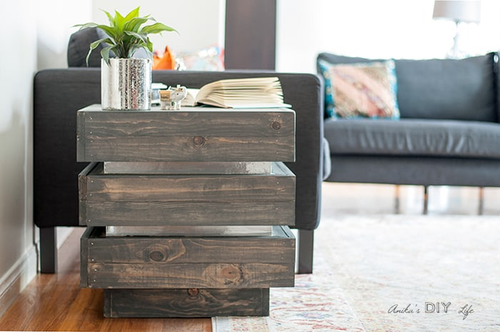 Tiered-chunky-side-table-Anikas-DIY-Life-700-12