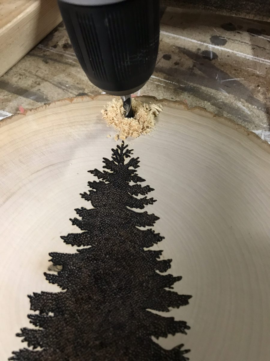 DIY Reversible Holiday Wood Slice Sign using Pyrography - drill a hole at the top