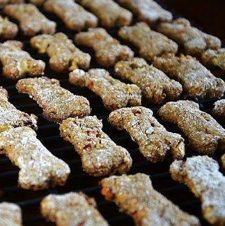 diy-homemade-apple-carrots-dog-treats-13