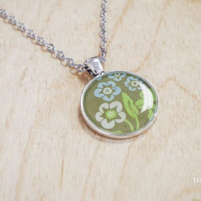 Finished horizontal green flowers - DIY Paper and Resin Pendant Necklace