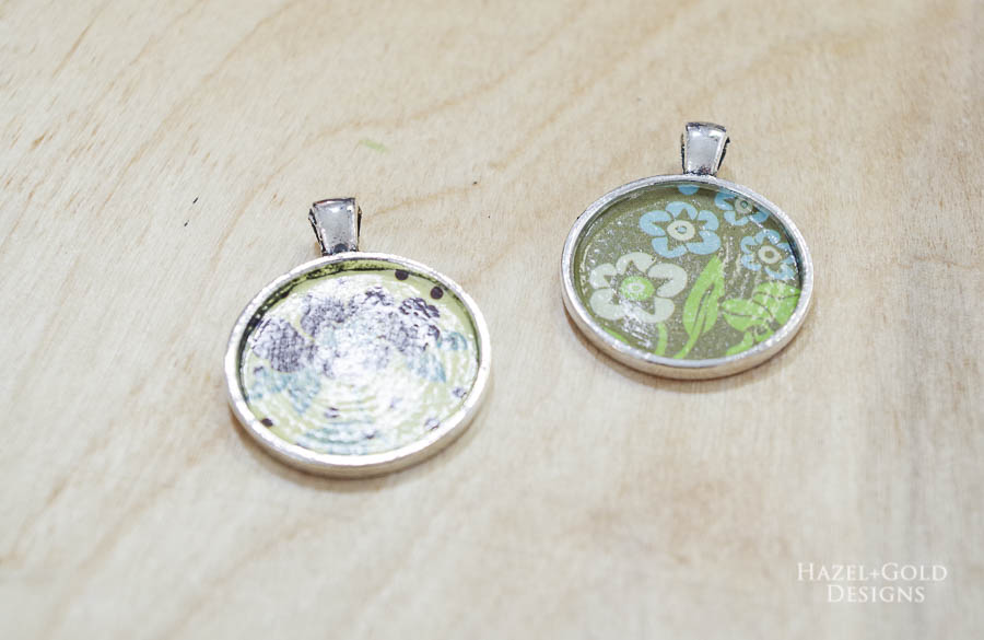 Let glue sealer dry - DIY Paper and Resin Pendant Necklace