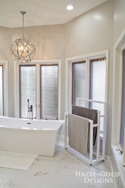 Mobile DIY Towel Rack - vertical photo with bathtub and chandelier