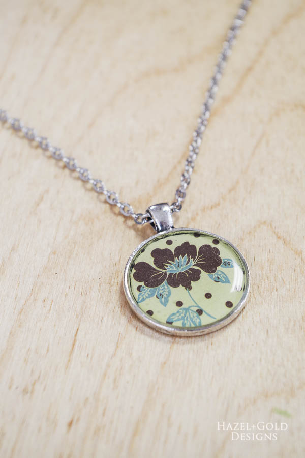 Vertical brown flower closeup - DIY Paper and Resin Pendant Necklace