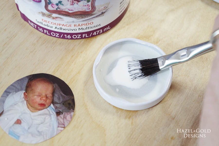 how to make photo magnets with resin - coat inside of lid with glue sealer