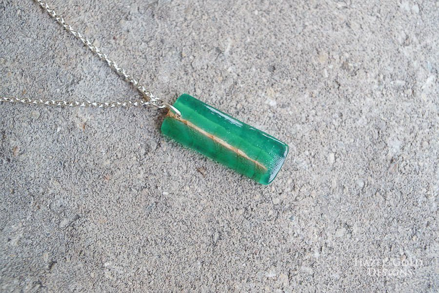 how to make wood and resin necklaces - finished green rectangle