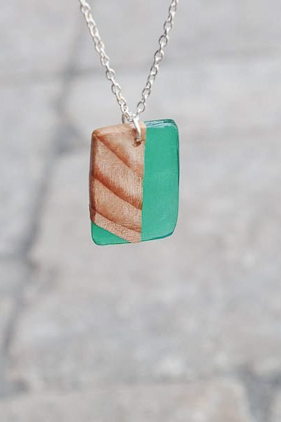 how to make wood and resin necklaces - finished green square hanging