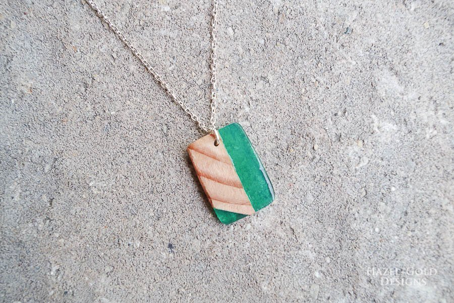 how to make wood and resin necklaces - finished green square
