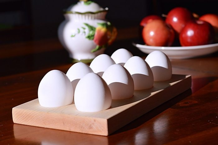 wooden-egg-holder-for-easter