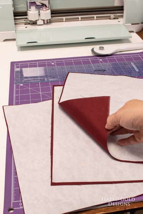 holidat garland - attach heat n bond to fabric in order to cut with cricut explore air 2