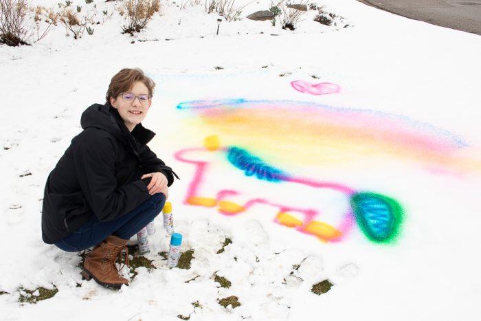 Testors shimmer spray chalk unicorn design in snow